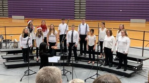 Jr./Sr. High Musicians Hold Annual Christmas Concert