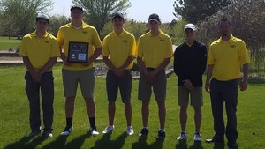Braves Golfers Qualify for State