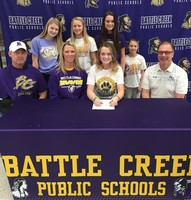 Makenna Taake signs with WSC for Track and Field