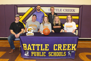 Bravette Signs to Play College Basketball