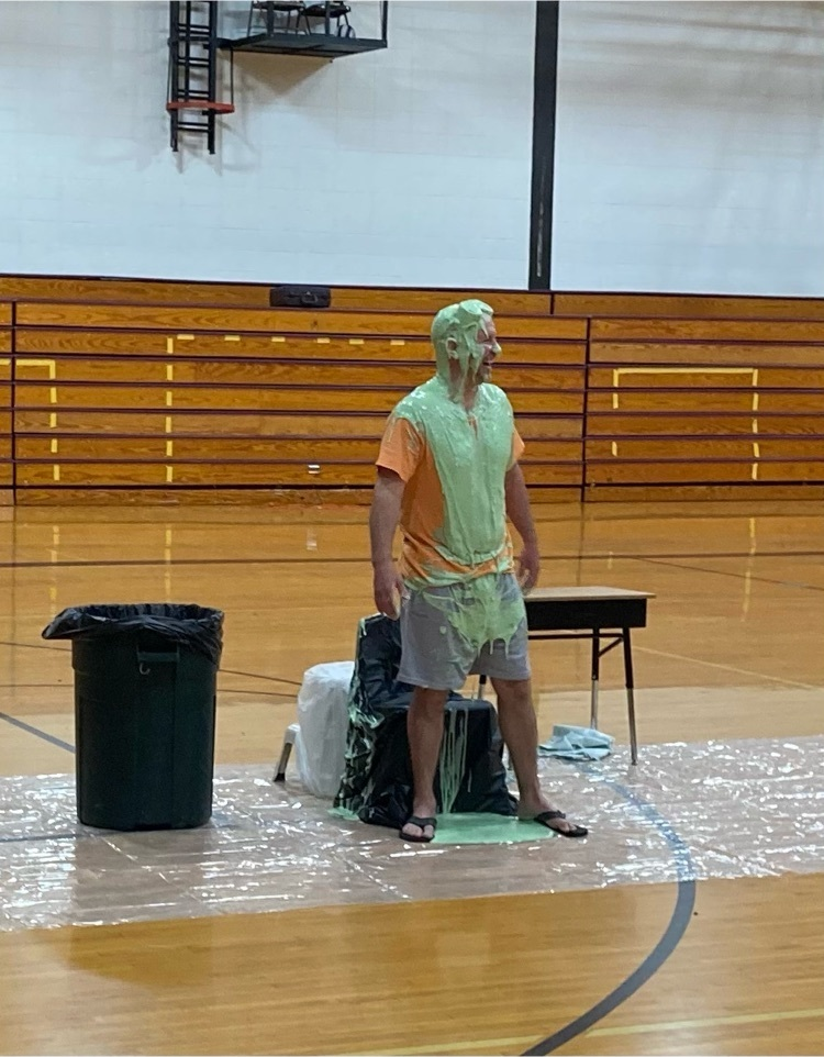 We loved watching Mr. Rudloff get slimed❤️